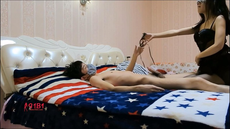 約操精致美乳完美S身材制服小護士扛腿使勁操不停